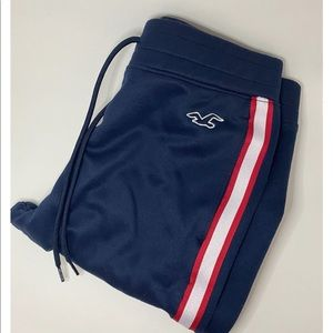 Hollister Joggers with drawstring.